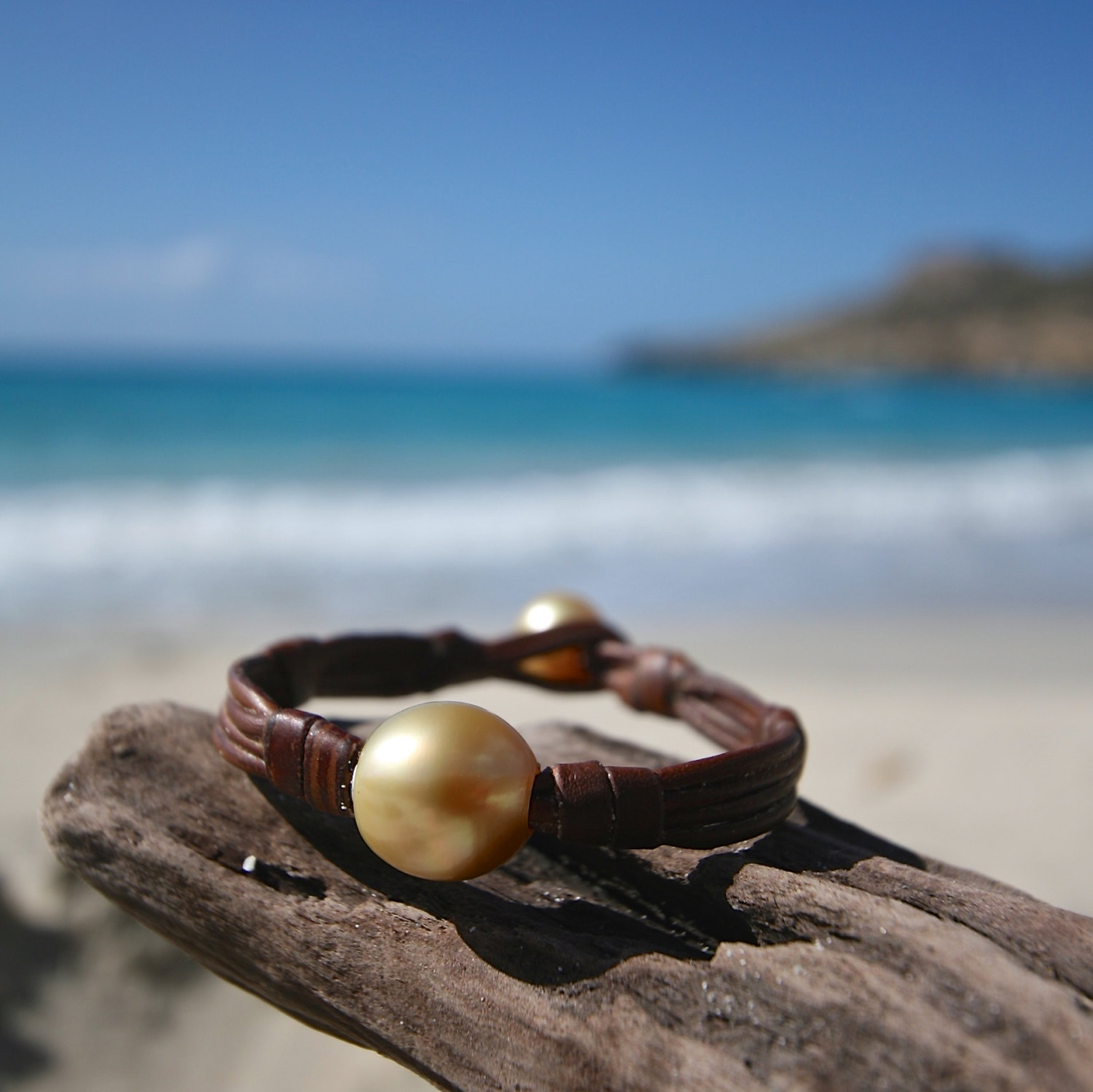Single ENORMOUS Australian cultured GOLD pearl bracelet on leather, huge cultured pearl, leather and pearls jewelry, boho, beach jewelry