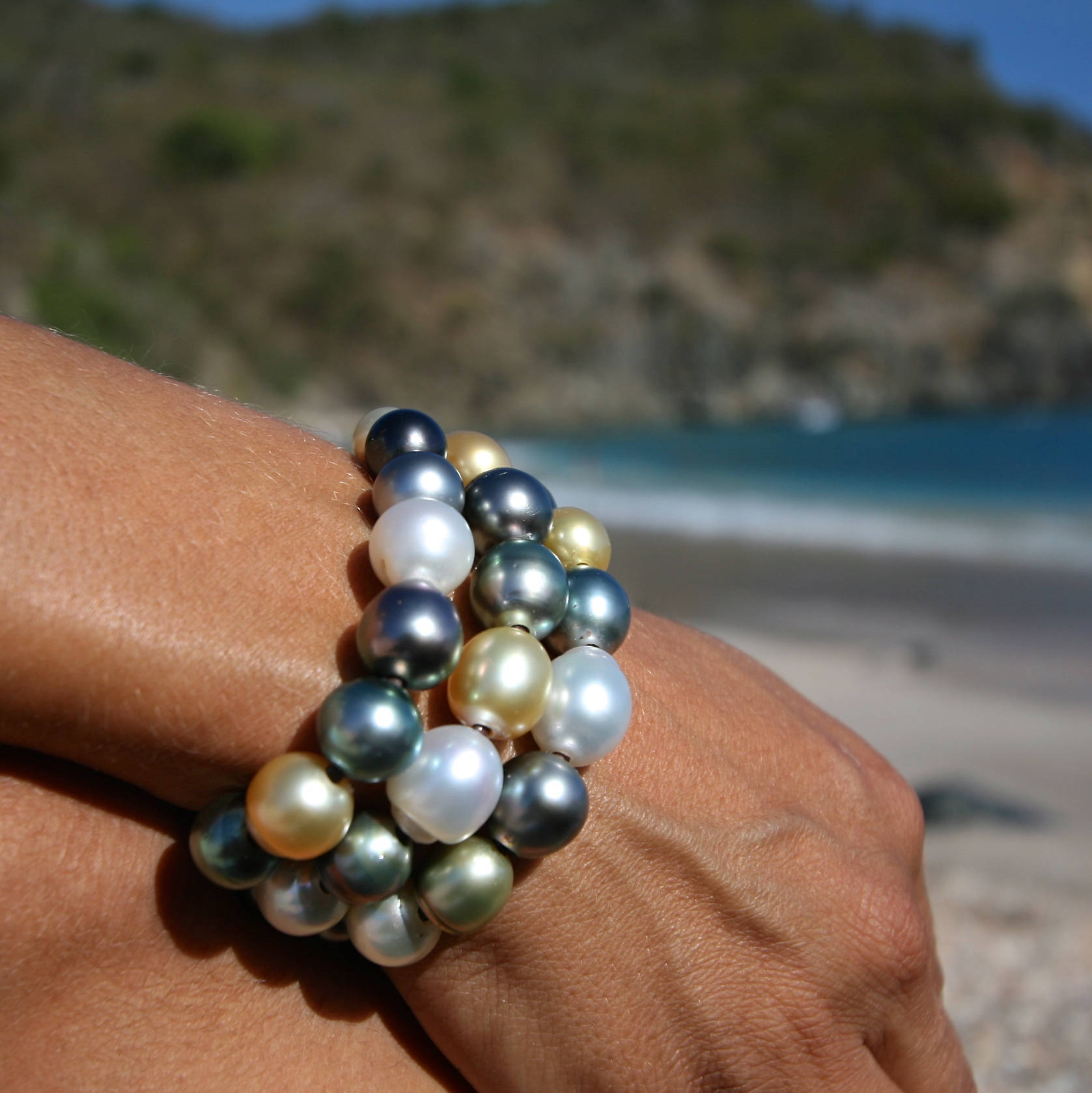 3 leather strands of fine multicolor pearl strung with Tahitian and Australian pearls, St Barth, gift for xmas, custom super chic bracelet