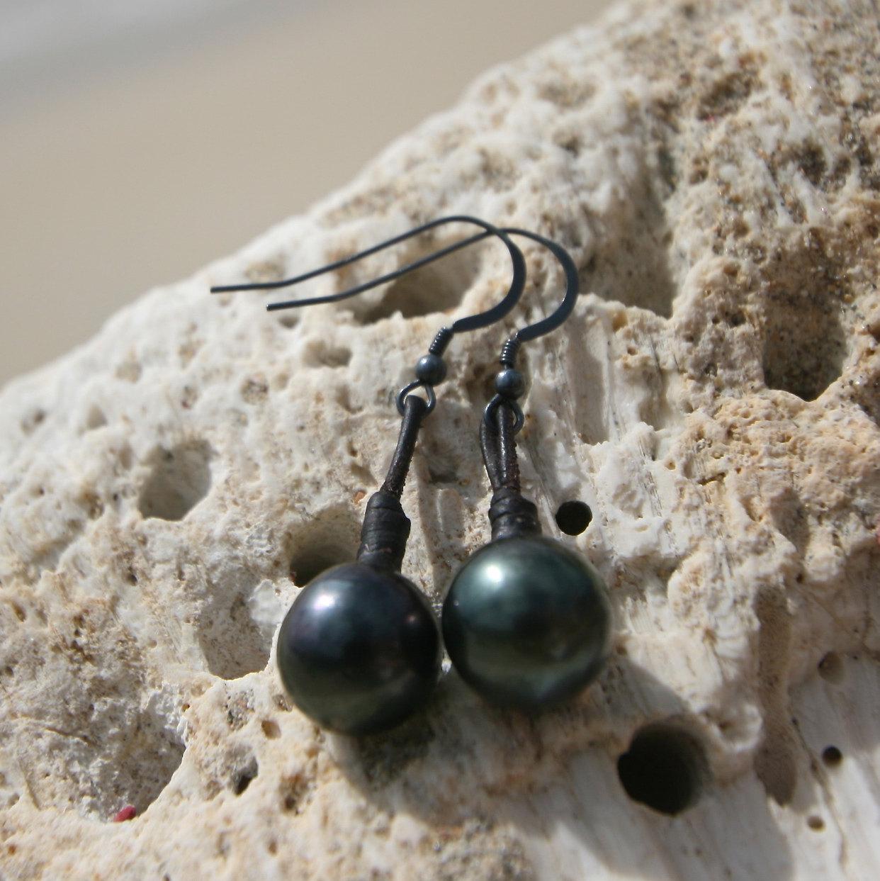 Tresors de St Barth pearls earrings
