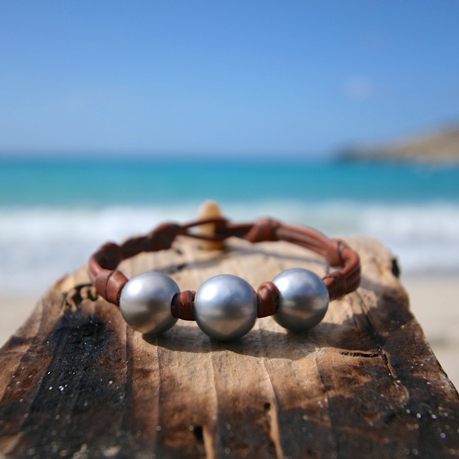 St barth pearls and leather bracelet