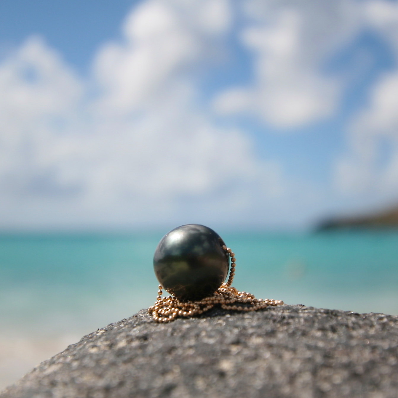 Enormous Tahitian pearl on thinnest gold ball-chain, beach jewelry, boho jewelry, Tahitian black pearls, cultured pearls, Gold chain.