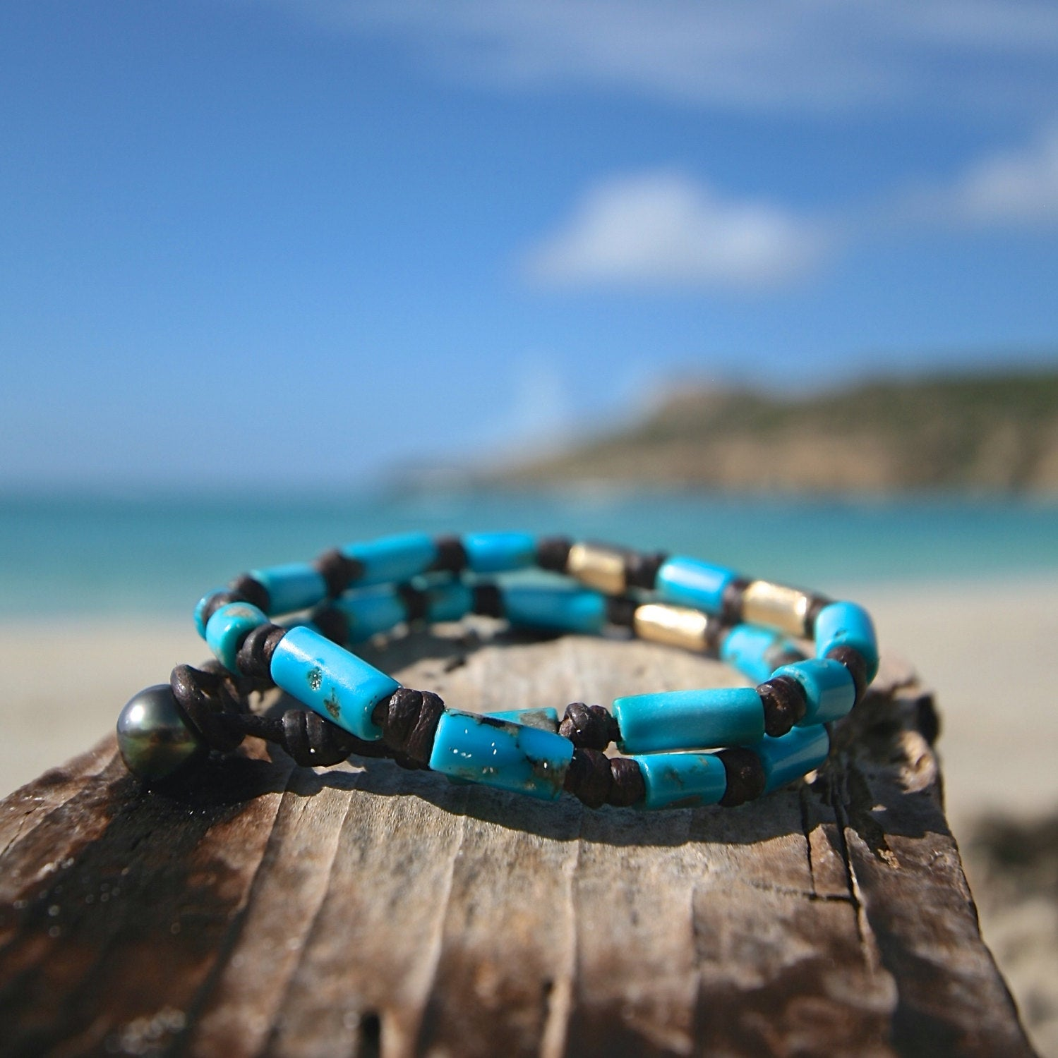 Genuine turquoises and solid gold beads strung on leather, double wrap bracelet with a Tahitian black pearl clasp, St Barts jewelry, seaside