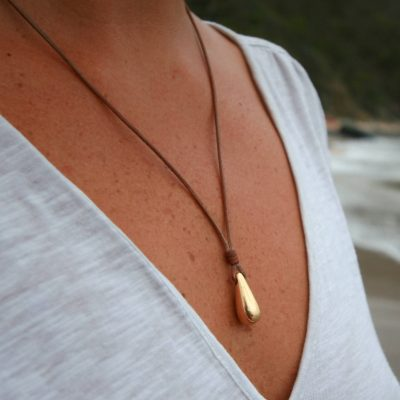 St barth pearls and leather necklace