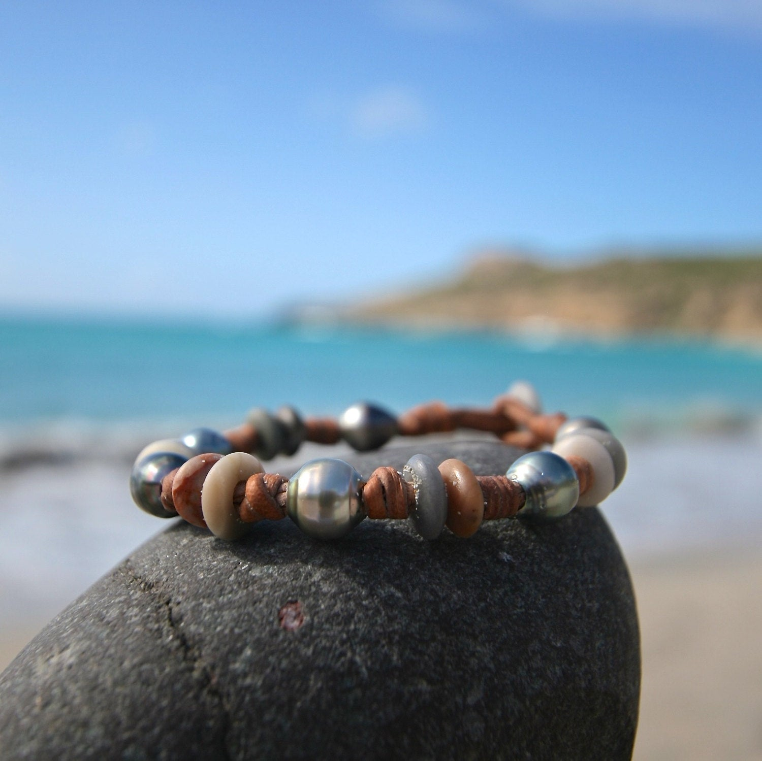 Little Tahitian fine pearls strung with sea pebbles on leather, bohochic organic bracelet, beach summer jewelry, St Barts, seaside coastal