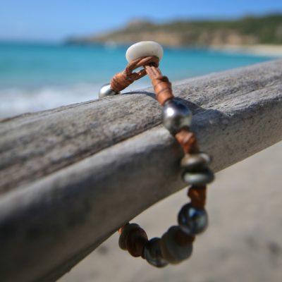 bracelet en perles et cuir st barth