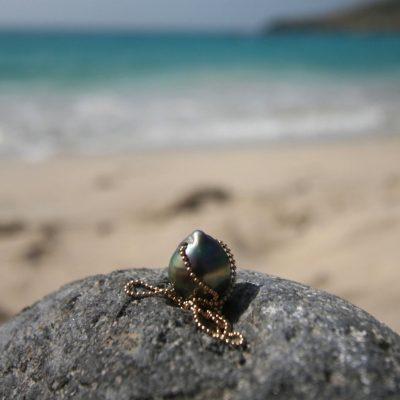 bijoux en perles et cuir St Barth